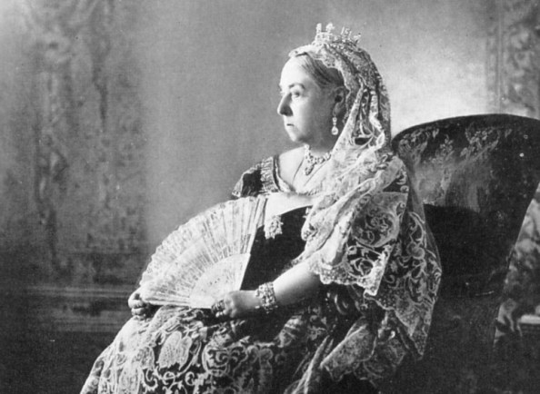 Queen Victoria's bust stopped from leaving the UK