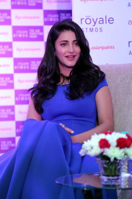 """Shruti Haasan Looks Super Hot In Blue Dress At The Launch of """"Royale Atmos"""" By Asian Paints in Chennai"""