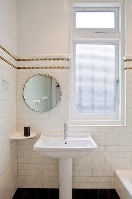 แบบห้องน้ำกระเบื้องสีขาว