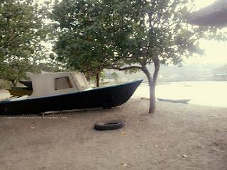 Pantai Benete 4