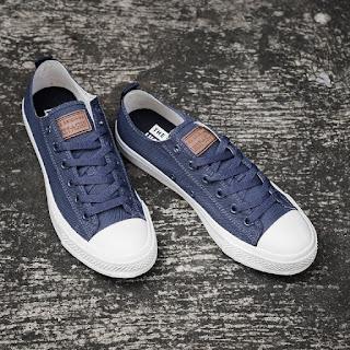 Sepatu Lucky Star