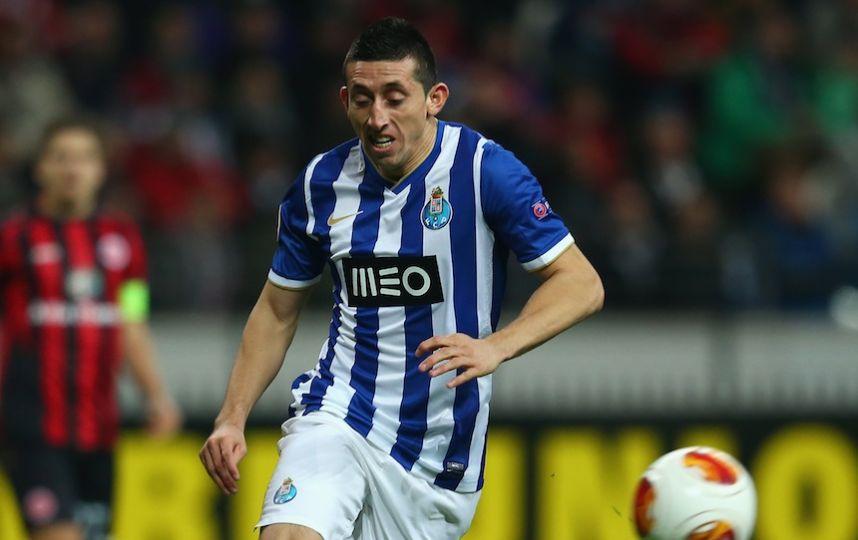 Napoli ofrece 20 millones de Euros por Héctor Herrera