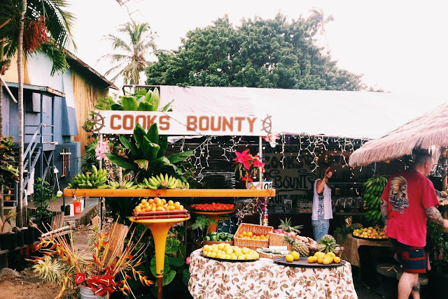 Fruit stand, Captain Cook, Big Island, Hawaii