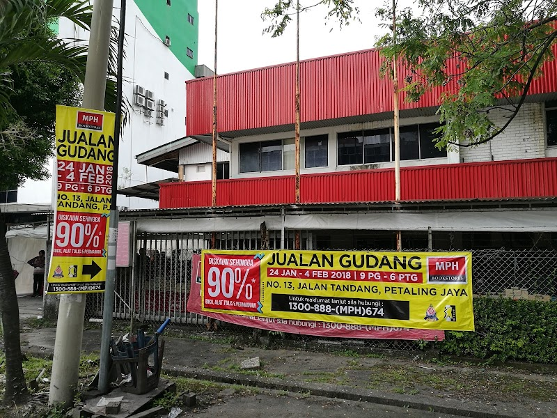 Jualan Gudang MPH Bookstores, 24 Januari - 4 Februari 2018, 9 Pagi - 6 Petang, No. 13 Jalan Talang, Petaling Jaya, Selangor