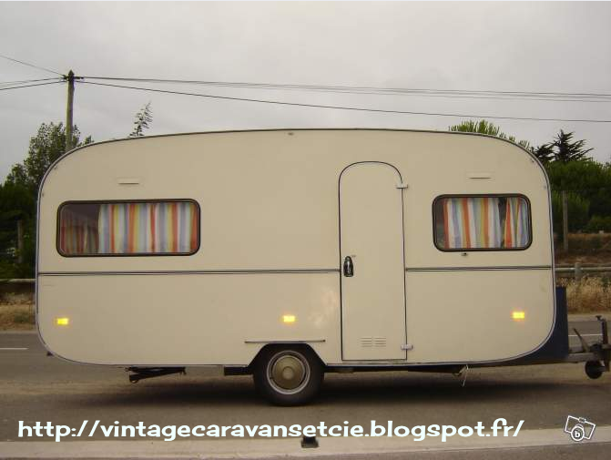caravanes vintage et cie lbc 4 juillet 2012. Black Bedroom Furniture Sets. Home Design Ideas