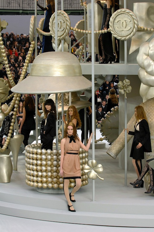 chanel fall 2008 carousel the terrier and lobster