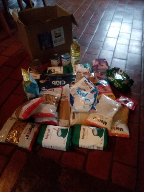 cajas de alimentos
