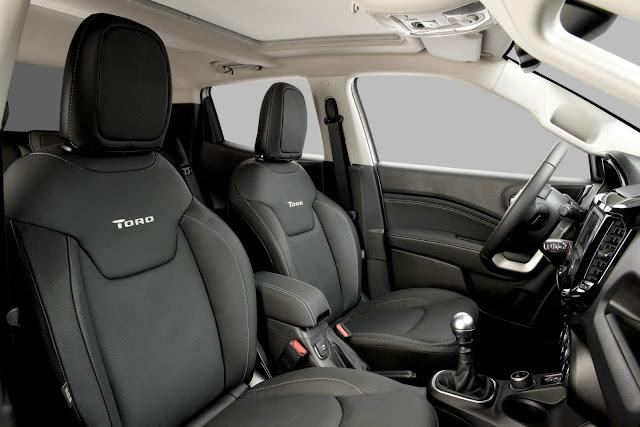 Fiat Toro 2.0 Turbo Diesel - desempenho e consumo - interior