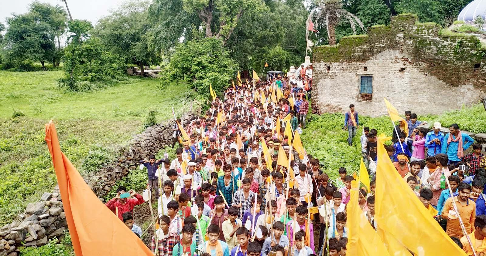 jhabua news-जय हिंद ग्रुप एवं अजमेरसिंह भूरिया के नेतृत्व में निकली भव्य कावड़ यात्रा