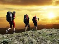 5 Manfaat Luar Biasa Mendaki Gunung Untuk Kesehatan
