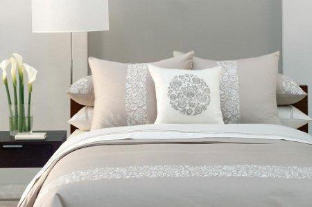Combinaciones de colores para tu dormitorio for Pintura pared gris azulado