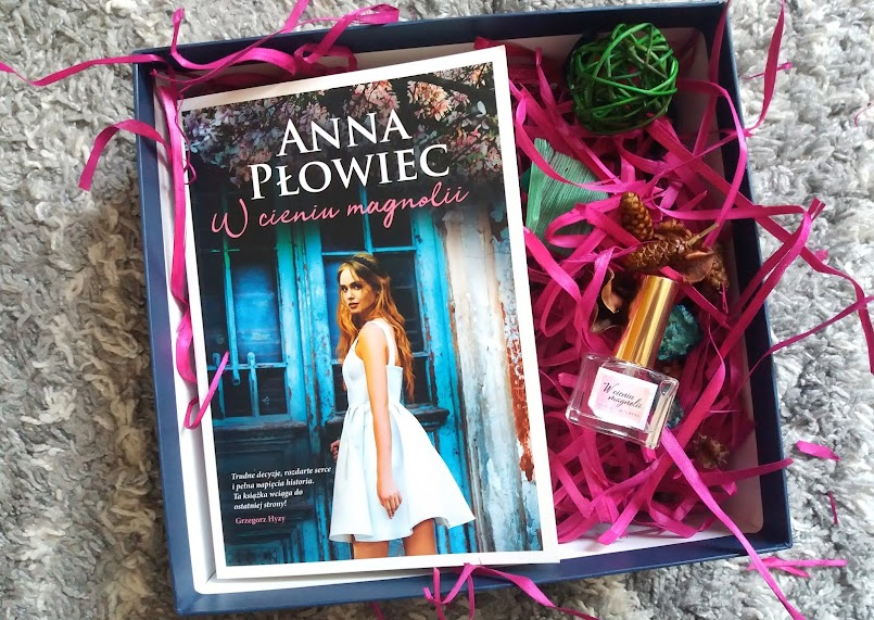"Świetny debiut: ""W cieniu magnolii"" - Anna Płowiec"