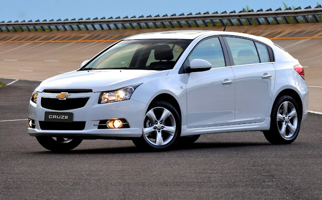 VW Golf TSI 125 cv x Chevrolet Cruze 1.8