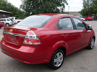 Ride Auto 2010 Chevrolet Aveo Red