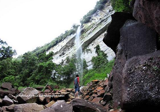 Mengeksplor Keindahan Air Terjun Tertinggi di Pekanbaru, Air Terjun Lubuk Bigau (Batang Kapas)