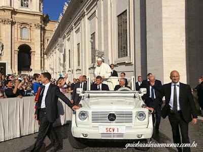 papamovel audiencia papal guia brasileira roma - Como ver o papa em Roma