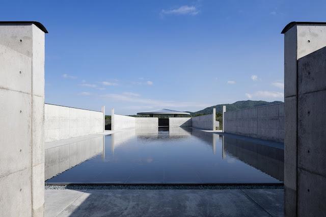 Componentes-obra-arquitectonica-Enorme-estatua-de-Buddha-cementerio-de-Sapporo