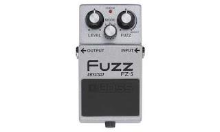 6. Efek Gitar Boss Fuzz