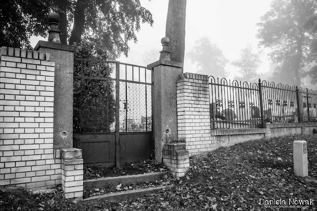 brama do cmentarza, ul cicha