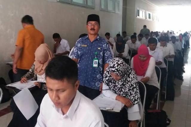Sebanyak 355 Orang Calon Anggota Panwascam se Kabupaten Padang Pariaman Ikuti Ujian Tertulis
