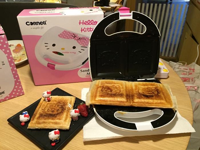 35083c6615 Meryl   Media Invite  NEW Cornell s Hello Kitty Kitchen Appliances