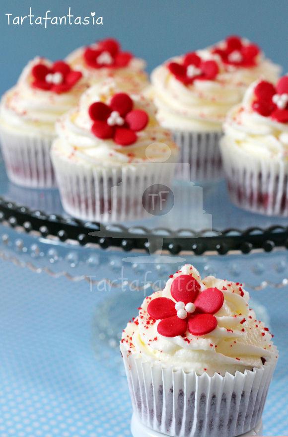 Cupcakes de red velvet o terciopelo rojo tartafantas a - Tarta red velvet alma obregon ...
