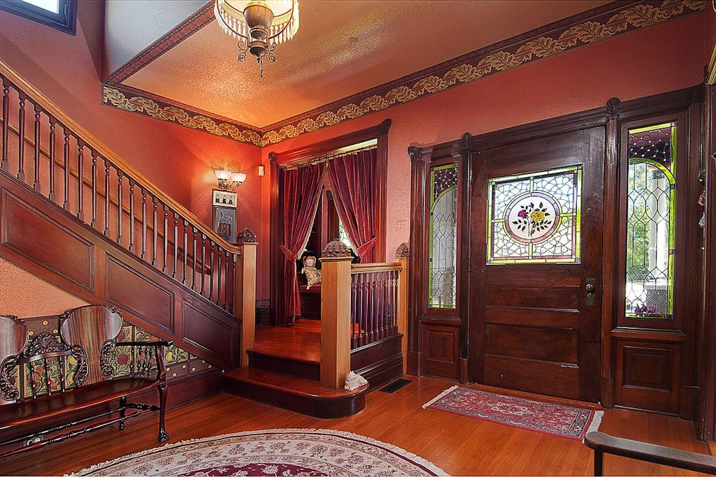 old world gothic and victorian interior design june 2012. Black Bedroom Furniture Sets. Home Design Ideas