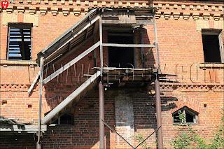 Усадьба Рейтанов. Конюшня. Лестница на второй этаж