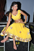 shreya vyas latest hot pics-thumbnail-5