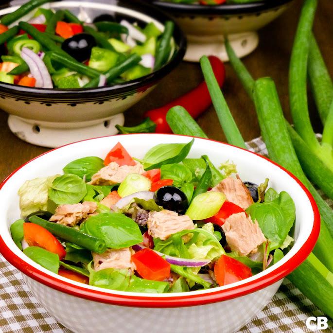Recept Verkoelende maaltijdsalade met tonijn en knapperige groenten