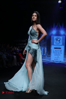Actress Amyra Dastur Walk On Ramp for Designer Karn Malra at LFW Summer 2017  0019.jpg