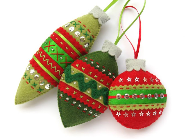 https://www.thevillagehaberdashery.co.uk/classes-and-workshops/classes/make-vintage-style-felt-christmas-ornaments-with-laura-howard