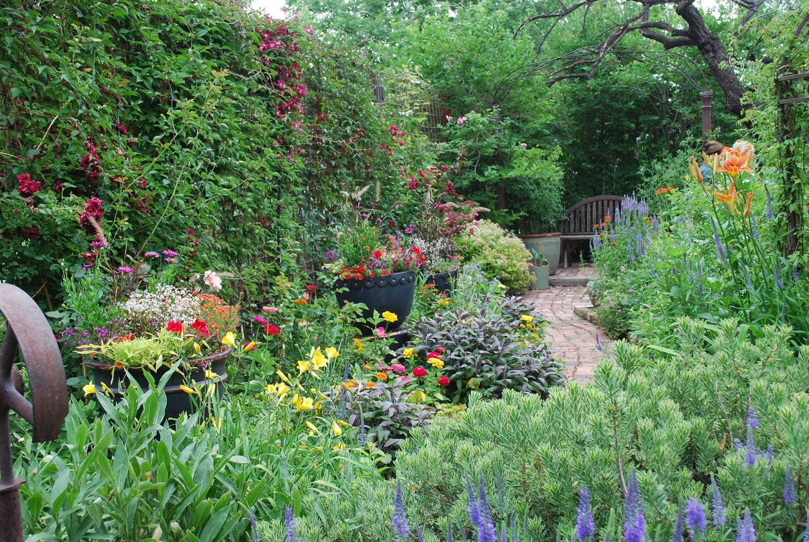 Garden Tour Season Is Upon Us And One Of My Perennial Favorites The Enchanted Gardens Northwest Denver A Benefit For Conflict Center