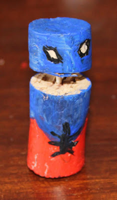 Spiderman, el trepamuros jugando al tres en raya