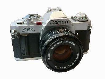Canon AV-1 tampak depan