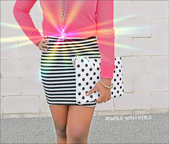jewels with style, black fashion blogger, polka dots and stripes, hide your body flaws, pink shirt, mixing prints, black and white outfit, polka dot purse, hide your body flaws, highlight your best body parts, pink and black