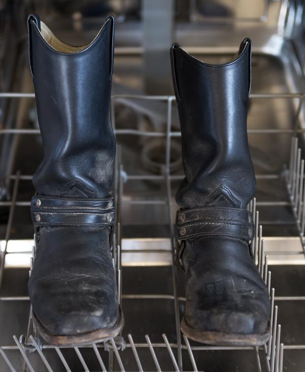 saappaiden puhdistus nahkasaappaat pesu miten puhdistaa nahkakengät_