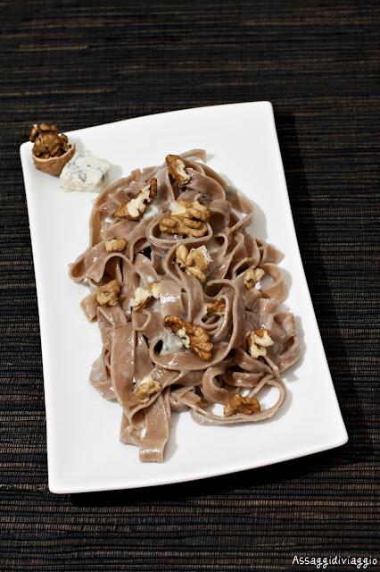 Tagliatelle di castagne con gorgonzola e noci