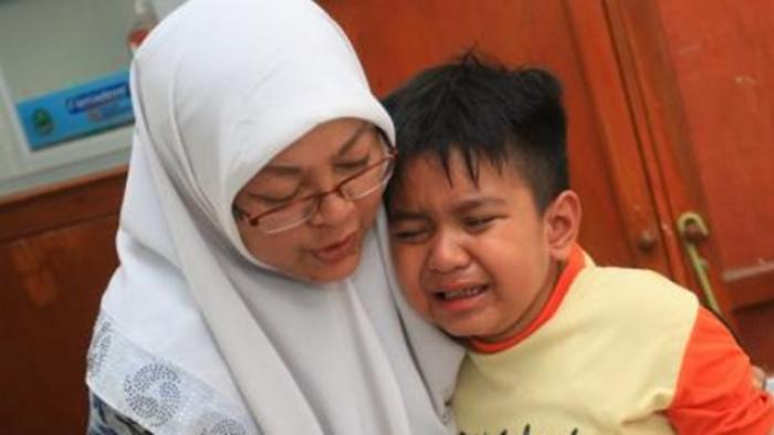 Anak Mengadu pada Ibunya