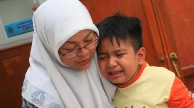 Anak Ini Mengaku Mencuri Uang Gurunya, Perlakuan Sang Ibu Sungguh Diluar Dugaan