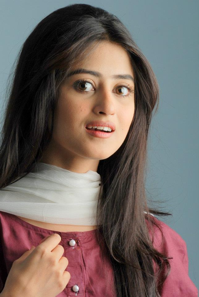 Paki Style: Sajal Ali latest Ladli Photoshoot