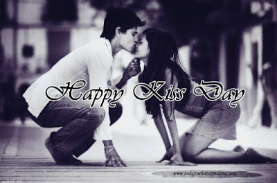100 Happy Kiss Day Status in Hindi | Kiss Day Quotes Words