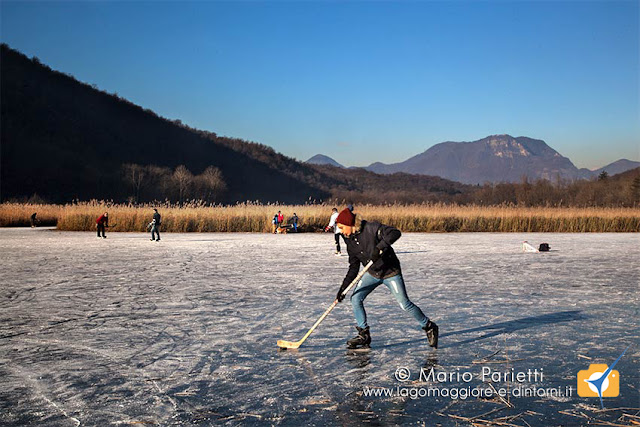 Hockey su ghiaccio alla torbiera di Ganna