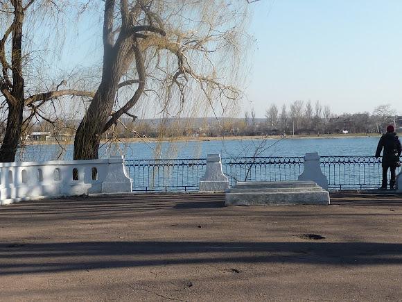 Славянск. Озеро Рапное