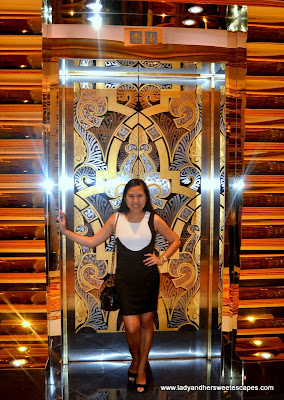 golden elevator at Burj Al Arab