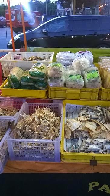 Gambar ikan masin yang dijual di Pasar Malam Taman Seroja di Salak Tinggi