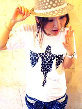 草間弥生Tシャツ