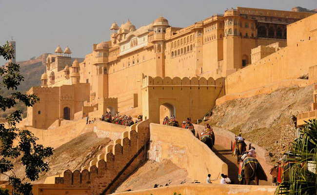 Xvlor.com Amber Fort is Amer Palace built by King Man Singh I in 1592