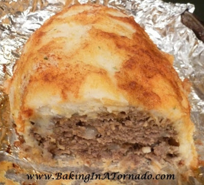 Potato Crusted Meatloaf | www.BakingInATornado.com | #recipe