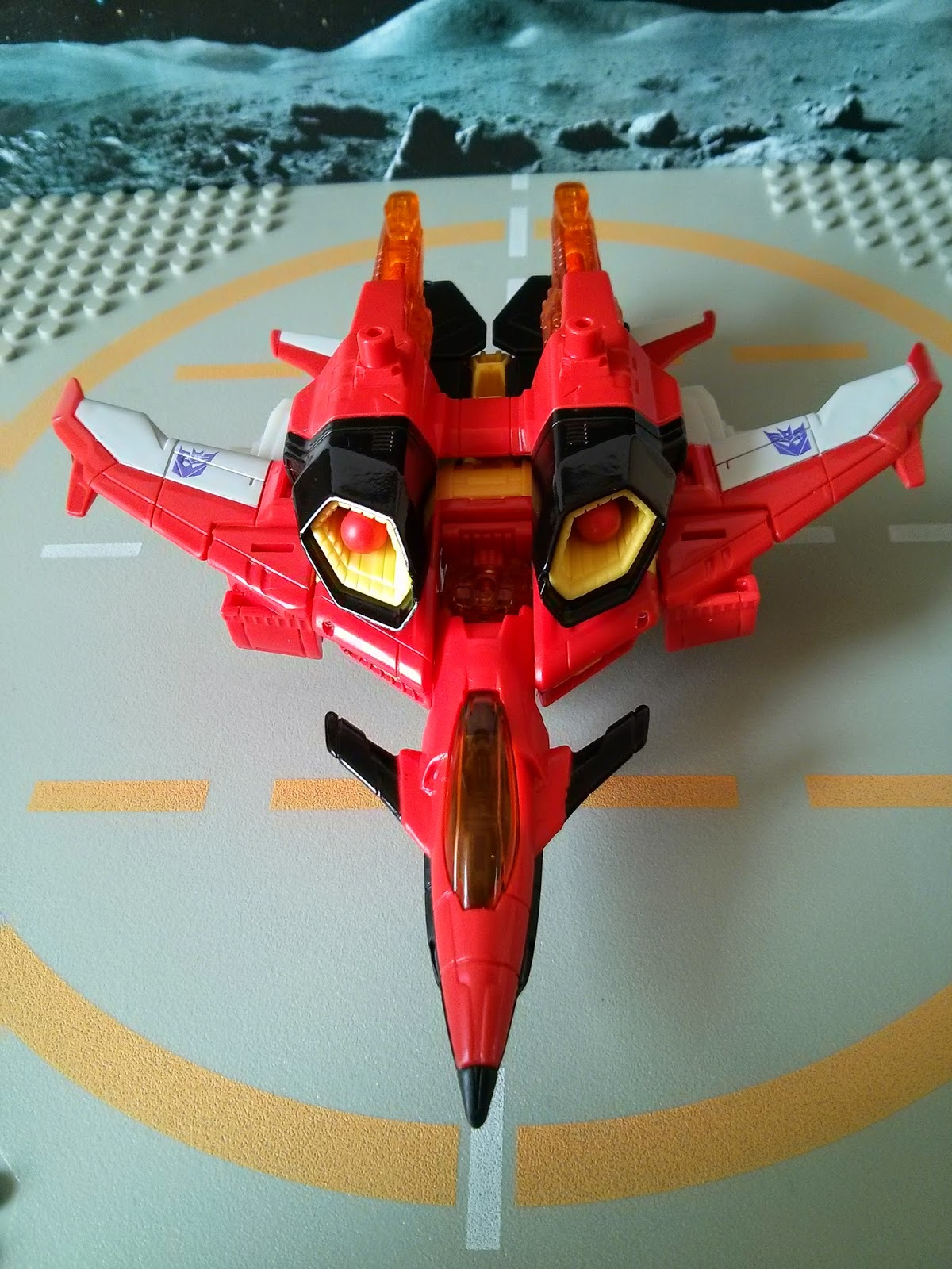 Starscreams jet mode from above
